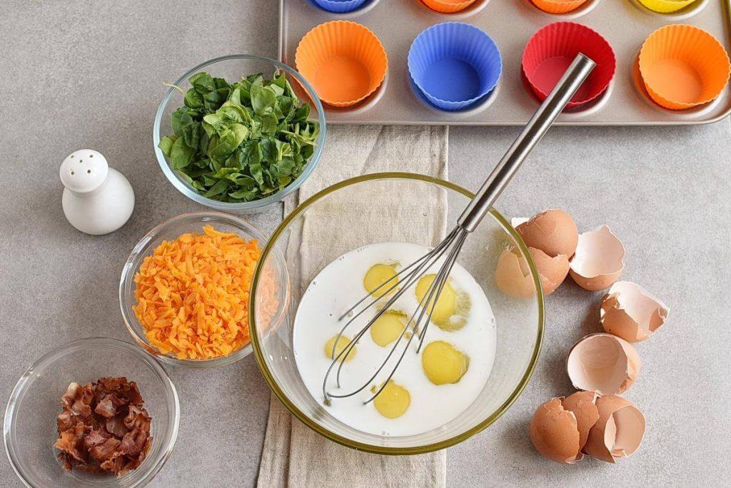 Keto Spinach and Bacon Mini Quiches recipe - step 2