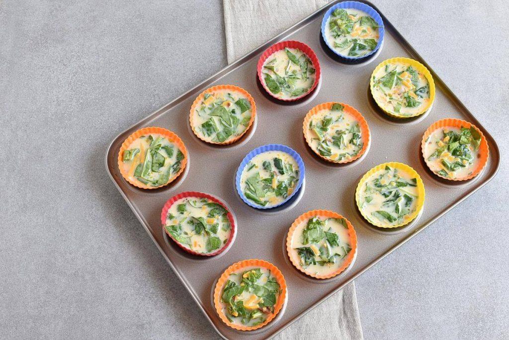 Keto Spinach and Bacon Mini Quiches recipe - step 4