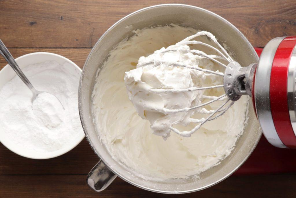 Vanilla Buttercream Frosting recipe - step 2