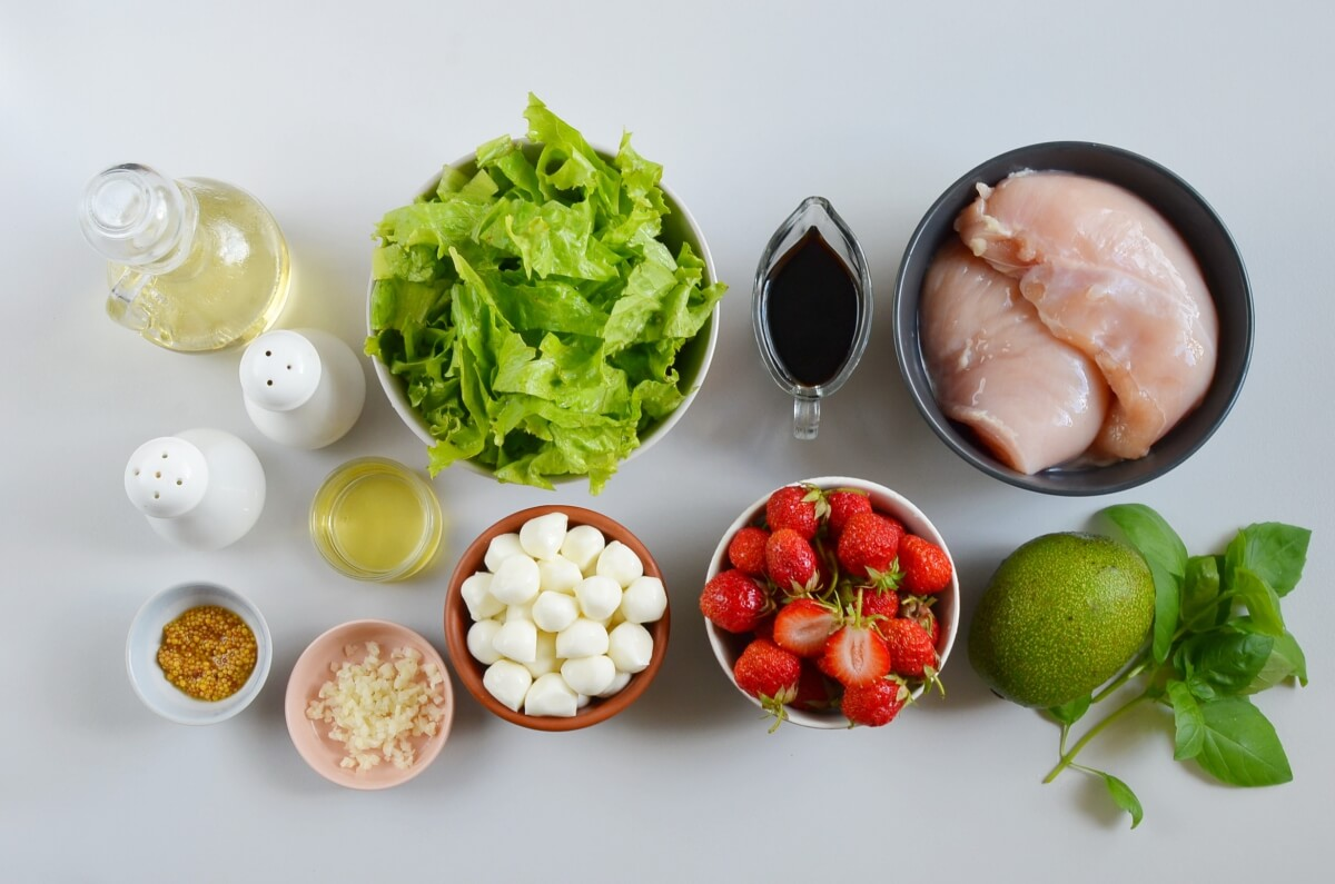 Ingridiens for Balsamic Grilled Chicken Strawberry Caprese Salad