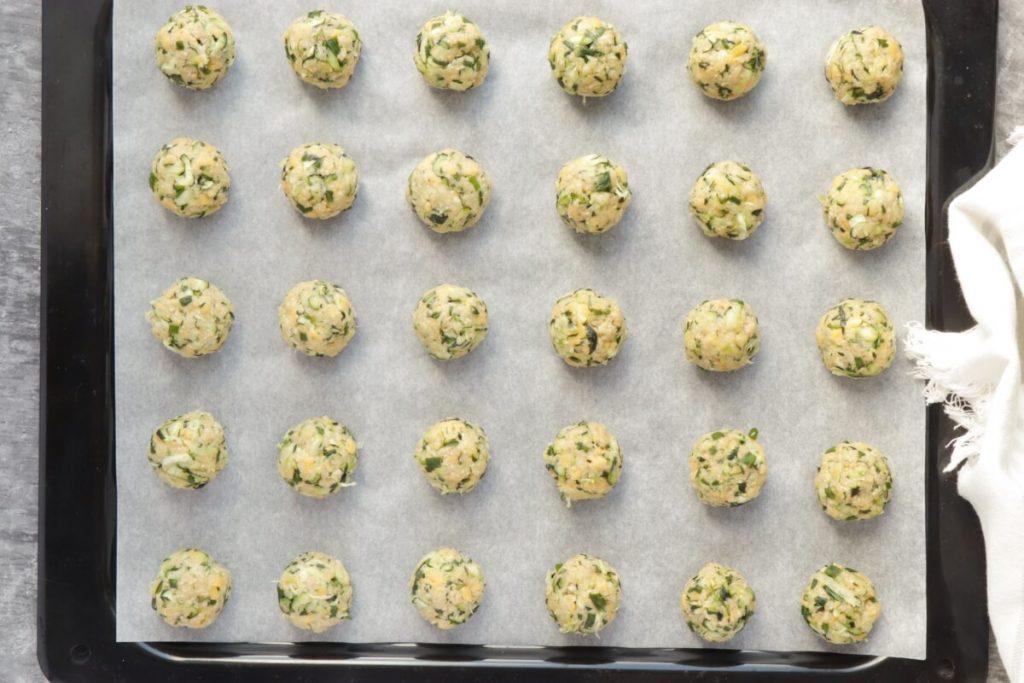 Cheesy Garlic Zucchini Bites recipe - step 3