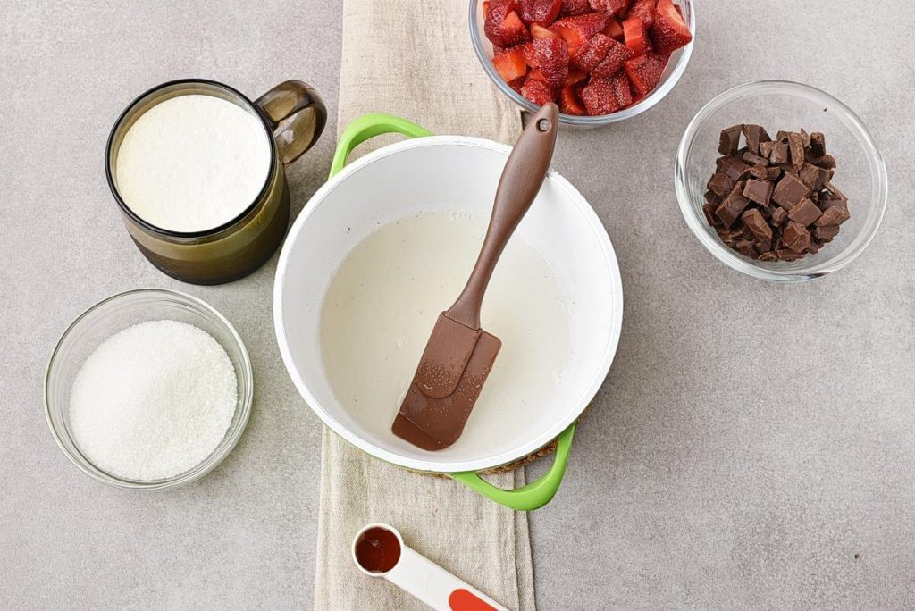 Chocolate Panna Cotta with Strawberry Topping recipe - step 1