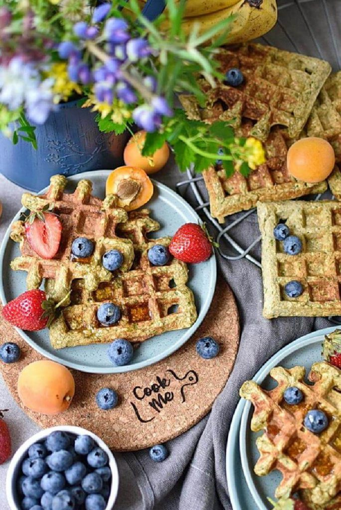 Green Oatmeal Spinach Waffles
