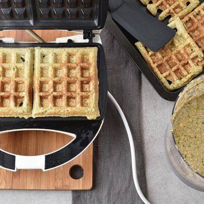 Green Oatmeal Spinach Waffles recipe - step 5