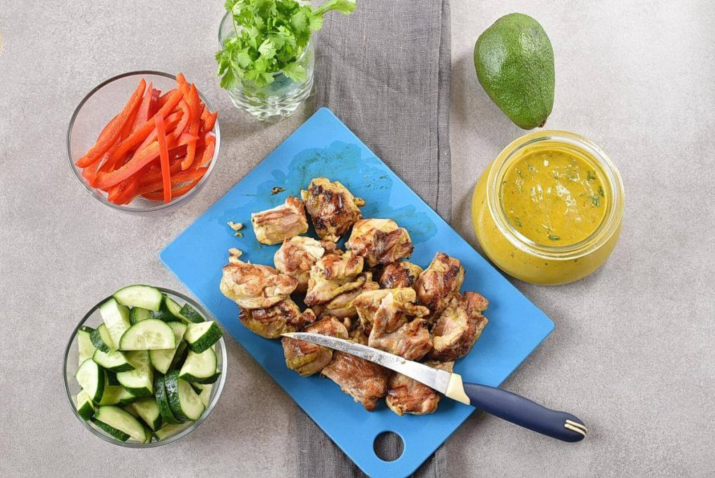 Grilled Chicken Mango Salad recipe - step 3
