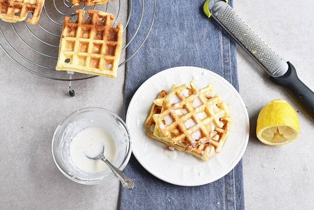 How to serve Keto Lemon Cake Chaffles