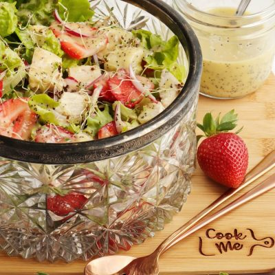 Keto Strawberry Chicken Poppyseed Salad Recipe-Strawberry Chicken Salad Low Carb-Strawberry Chicken Poppy Seed Salad