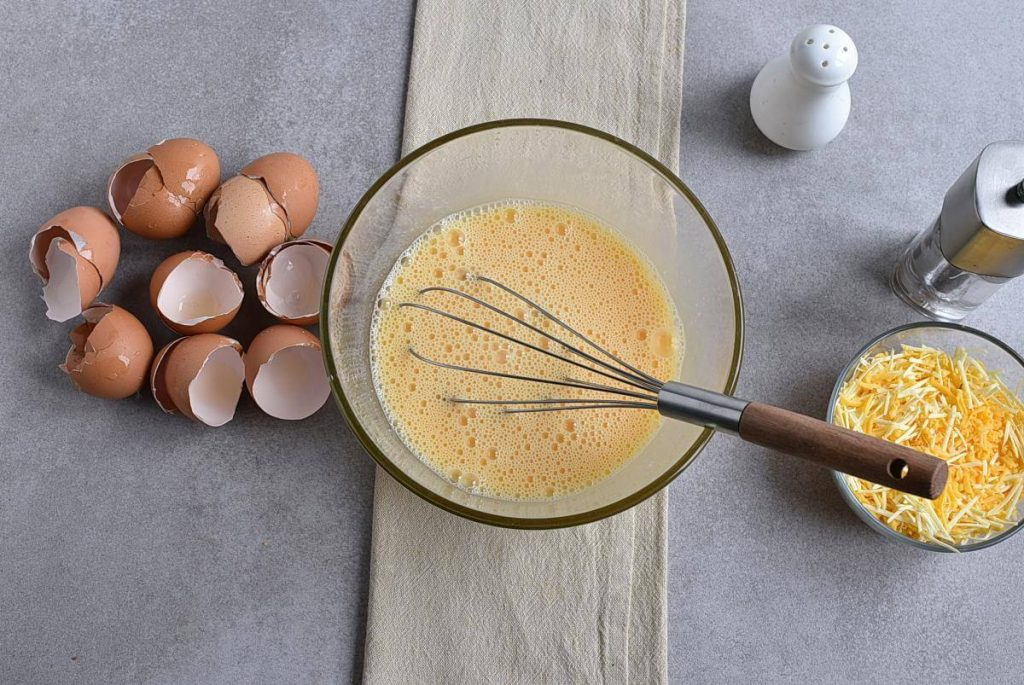 Perfect Scrambled Cheesy Eggs recipe - step 2
