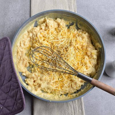 Perfect Scrambled Cheesy Eggs recipe - step 4