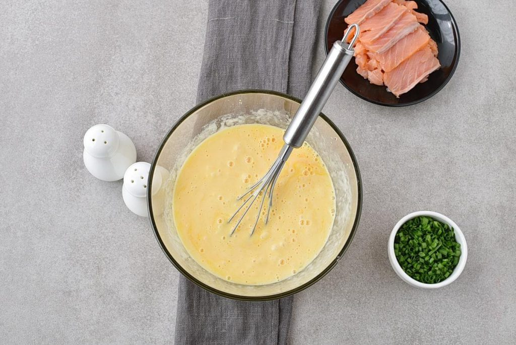 Scrambled Eggs with Smoked Salmon recipe - step 2