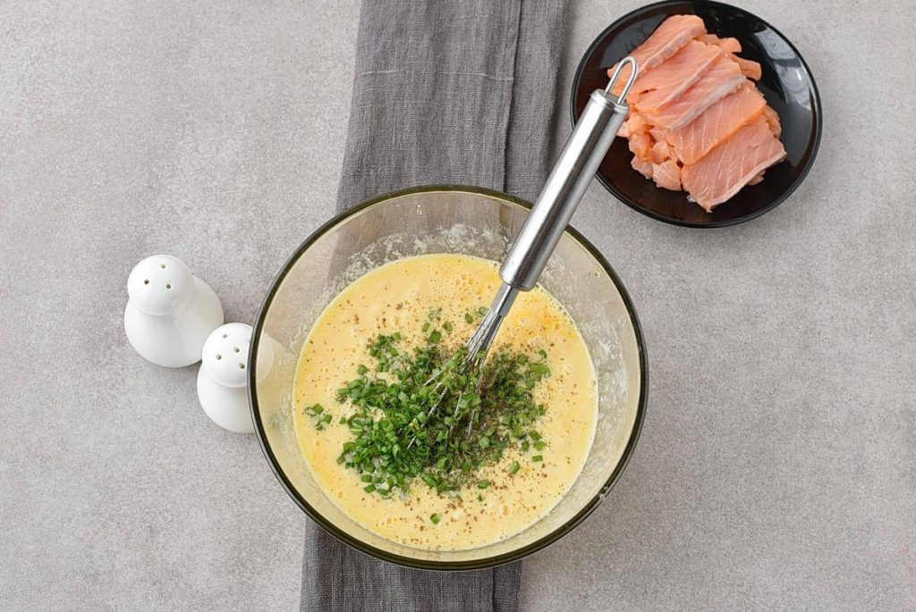 Scrambled Eggs with Smoked Salmon recipe - step 3