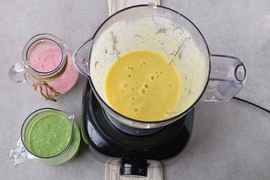 Spinach Strawberry Mango Banana Smoothie recipe - step 3
