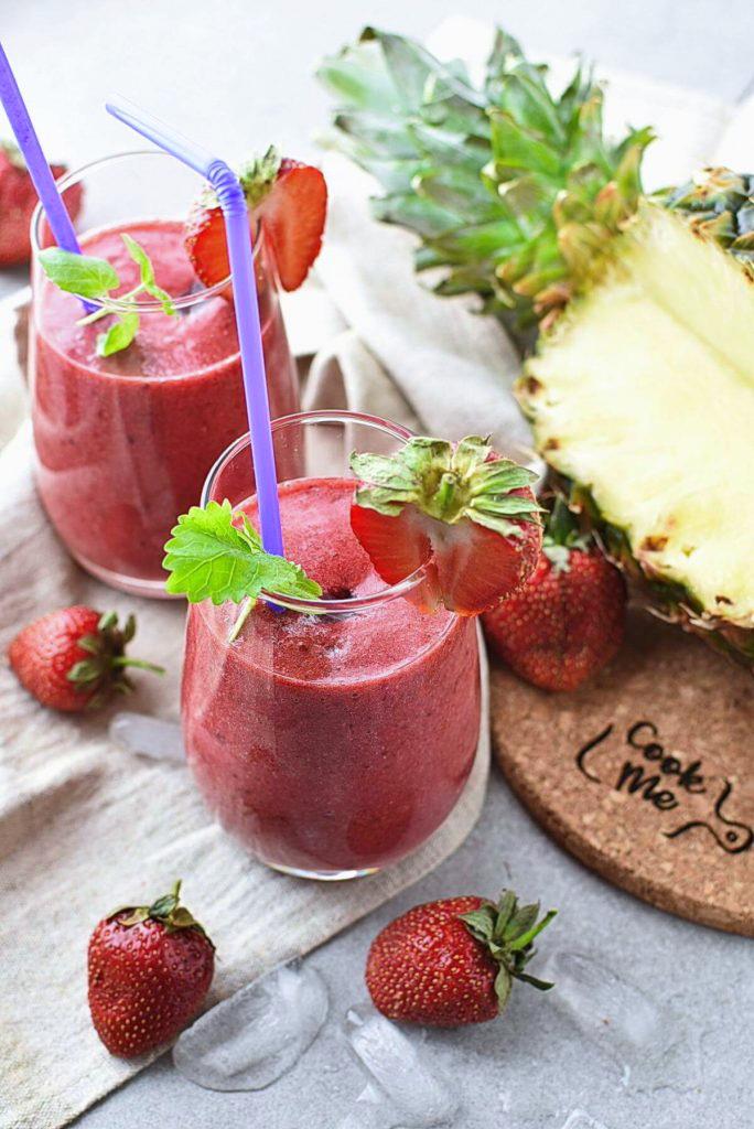 Strawberry, Blackberry & Pineapple Smoothie