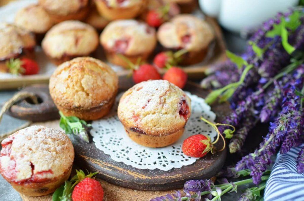 How to serve Strawberry-Lemonade Muffins