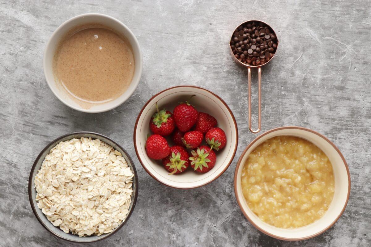 Ingridiens for Vegan Strawberry Oatmeal Cookies