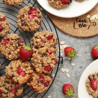 Strawberry Oatmeal Cookies Recipe-Fresh Strawberry-Chocolate Chip Oatmeal Cookies-Healthy Cookies-Sugar-Free Oatmeal Cookies