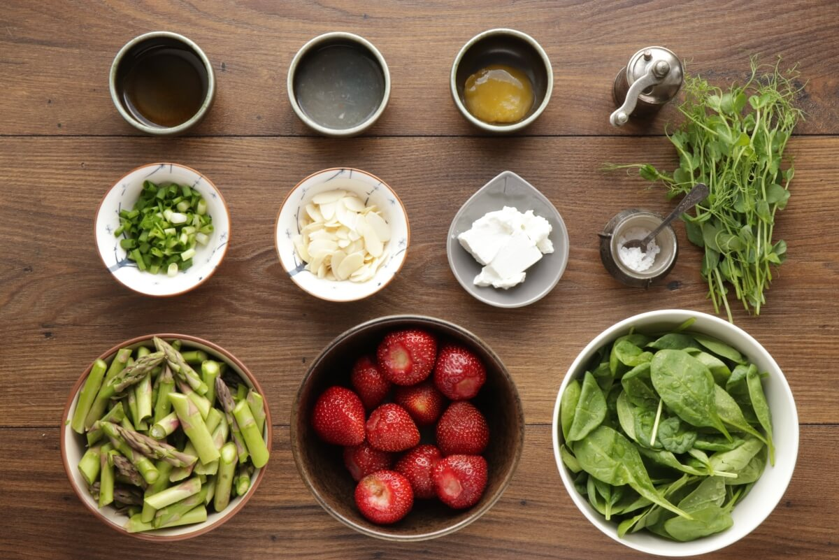 Ingridiens for Strawberry Spinach & Asparagus Salad