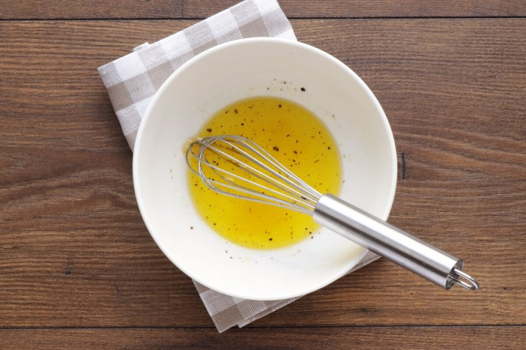 Strawberry Spinach & Asparagus Salad recipe - step 4