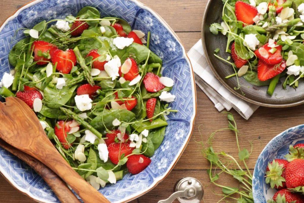 How to serve Strawberry Spinach & Asparagus Salad
