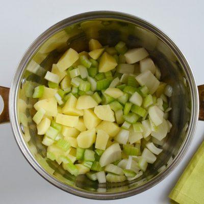 Vegan Broccoli Basil Potato Soup recipe - step 2