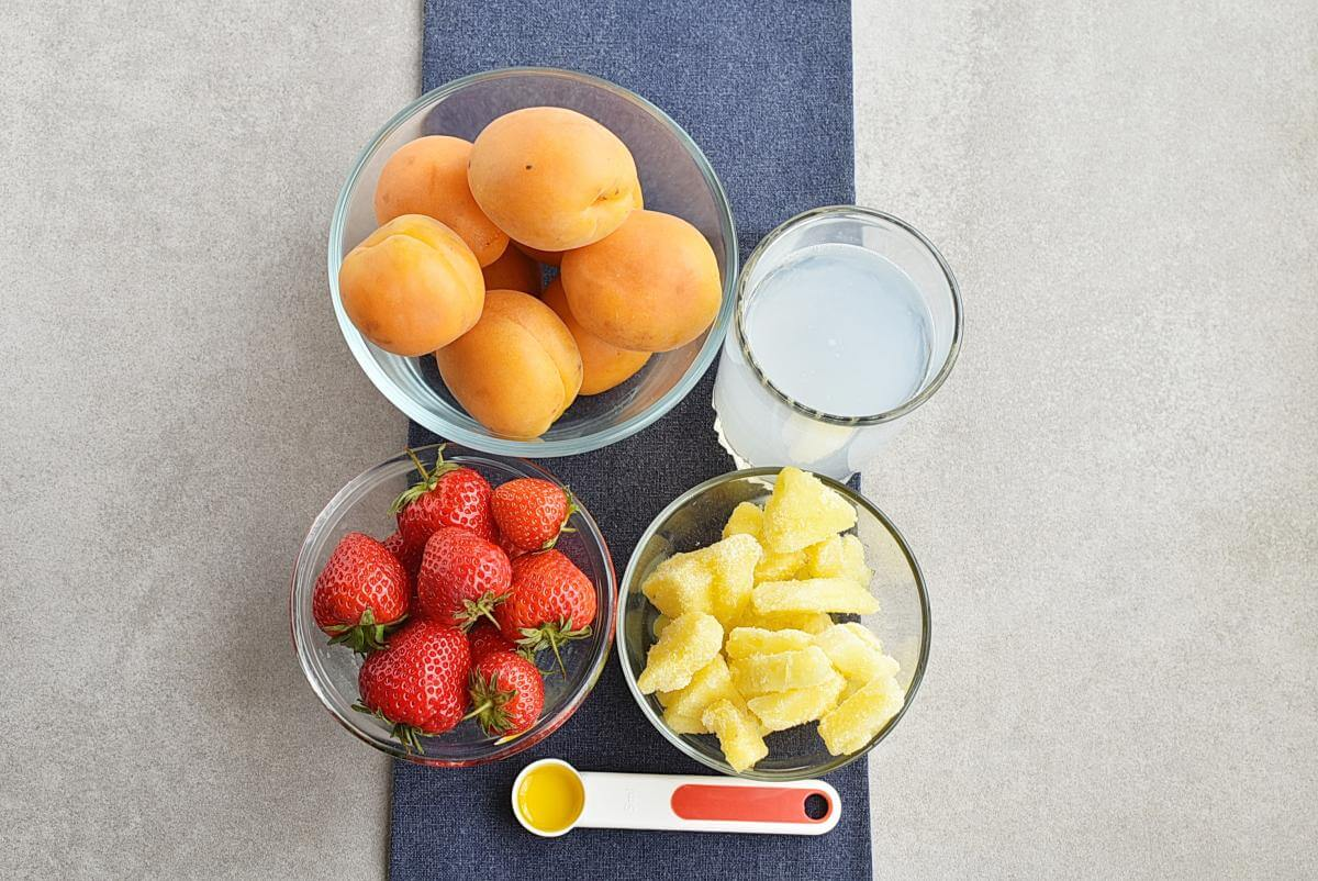 Ingridiens for Apricot Strawberry Coconut Smoothie