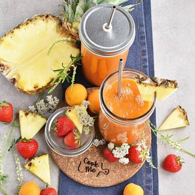 How to serve Apricot Strawberry Coconut Smoothie