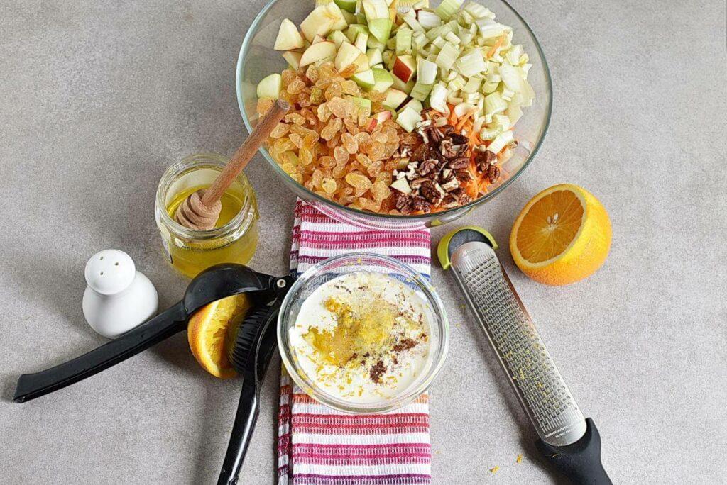 Carrot Apple Salad with Yogurt Dressing recipe - step 2