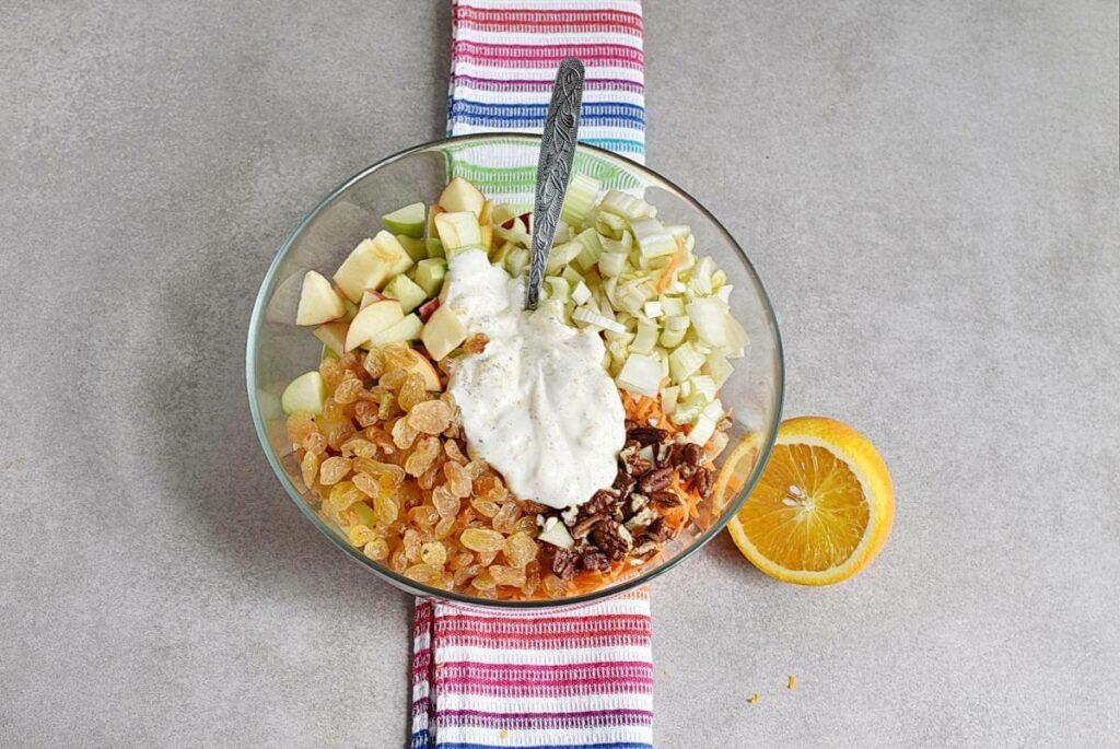 Carrot Apple Salad with Yogurt Dressing recipe - step 3