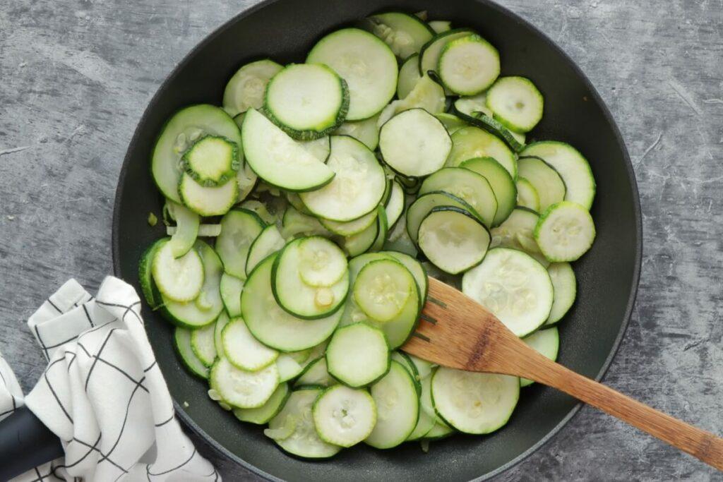 Chilled Zucchini Basil Soup recipe - step 2