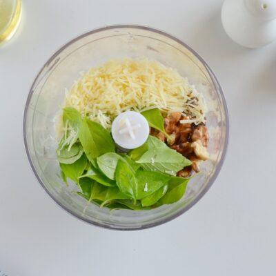 Creamy Pesto Caprese Potato Salad recipe - step 2