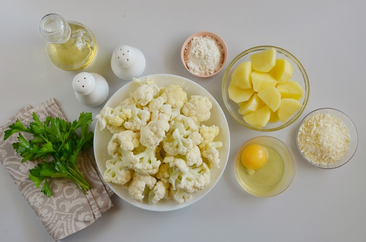 Ingridiens for Easy Cauliflower Fritters