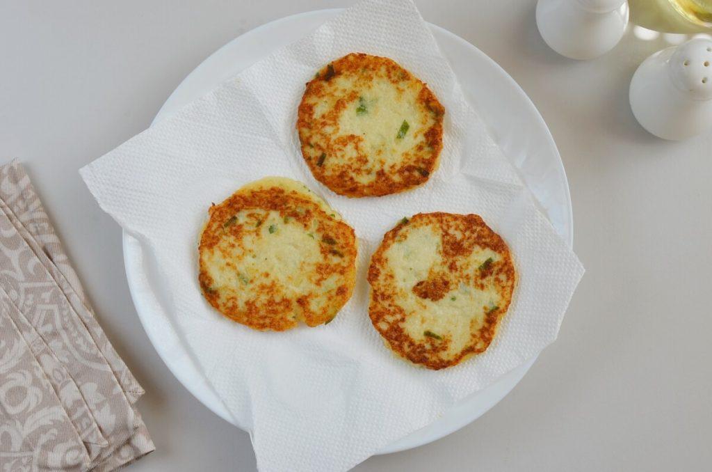 Easy Cauliflower Fritters recipe - step 6