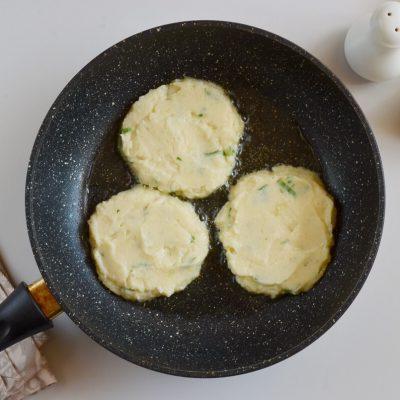 Easy Cauliflower Fritters recipe - step 5