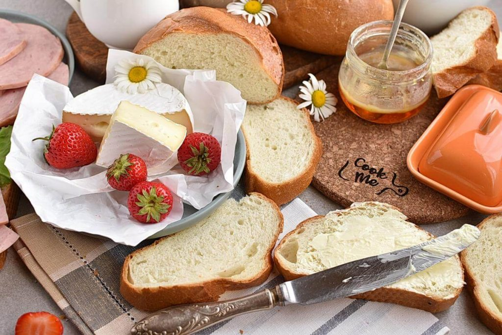 How to serve Easy Homemade French Bread