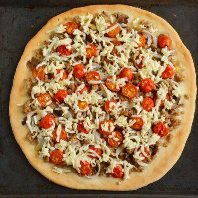 Homemade Fresh Tomato Pizza recipe - step 7
