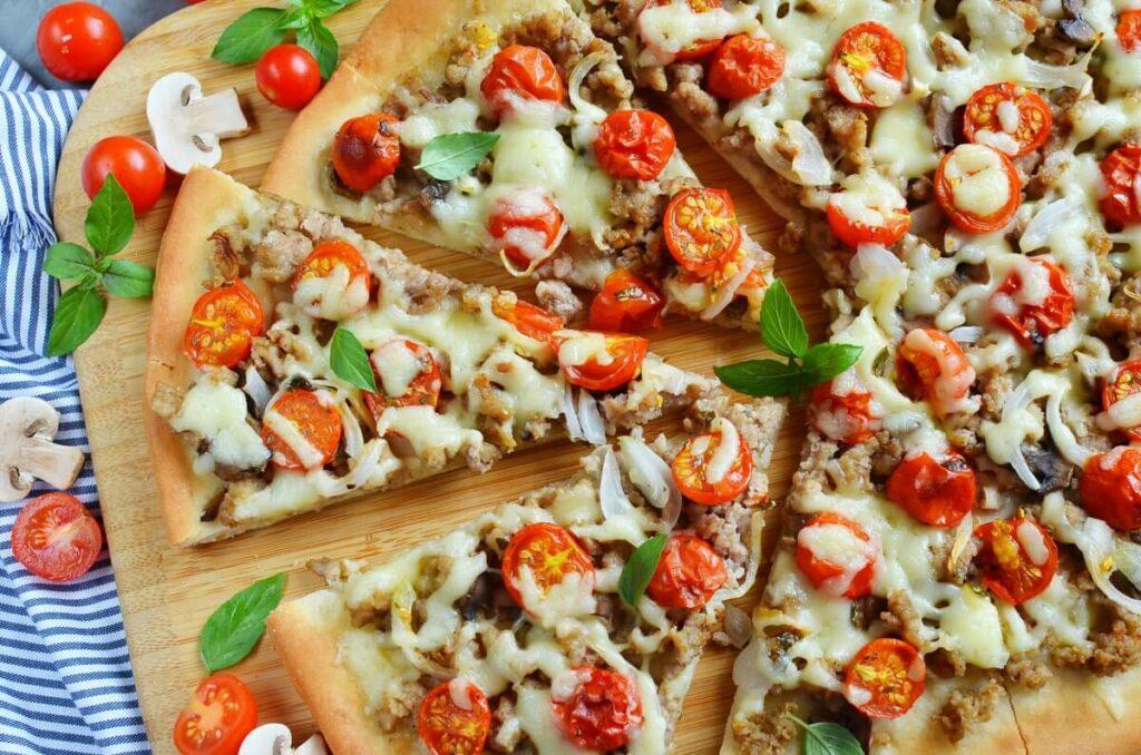 How to serve Homemade Fresh Tomato Pizza