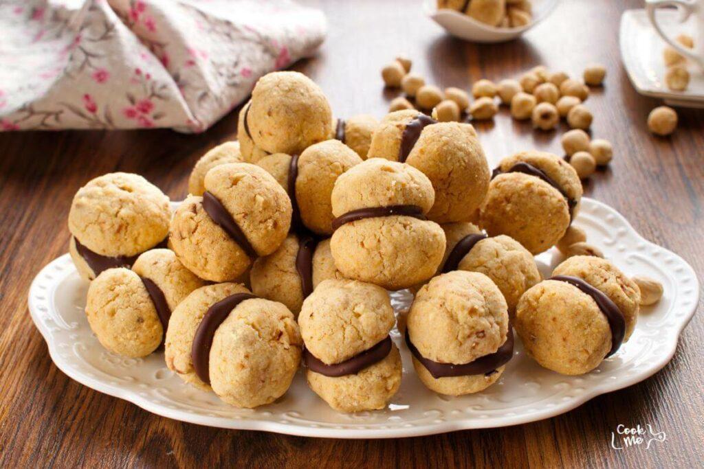 How to serve Italian Nut Cookies (Baci di Dama)