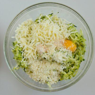 Keto Cheesy Zucchini Breadsticks recipe - step 3