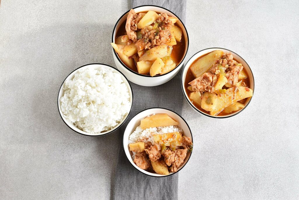 How to serve Korean Potato and Spam Stew – Gamja Jjageuli