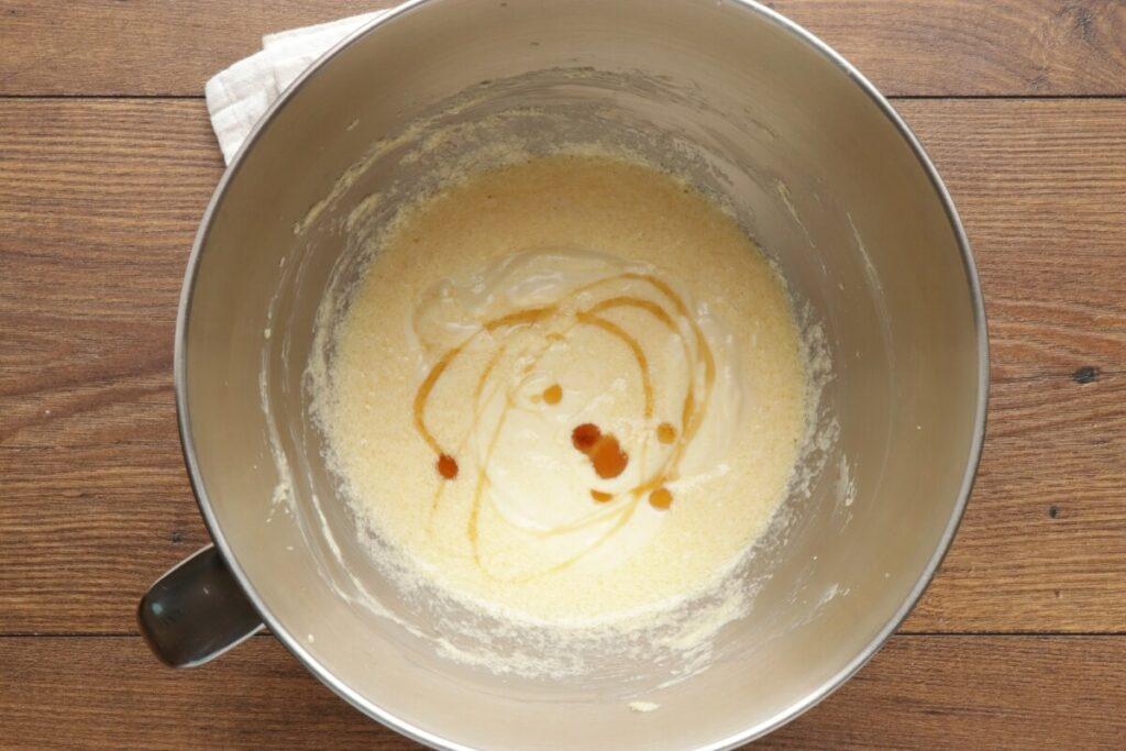 Raspberry Almond Crumb Cake recipe - step 5