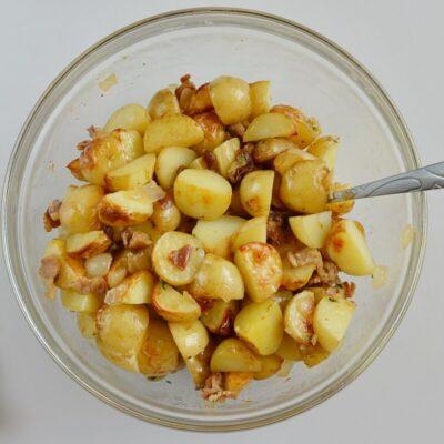 Warm Maple Bacon Potato Salad recipe - step 7