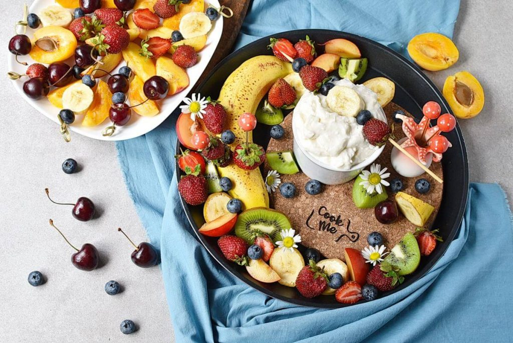 How to serve Whipped Cream Cheese Fruit Dip