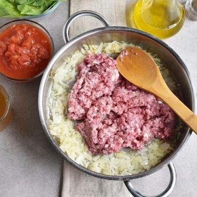 20-Minute Tuscan Tortellini with Sausage recipe - step 2