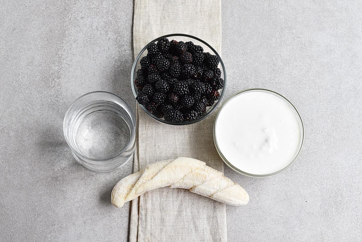 Ingridiens for Blackberry-Banana Smoothie