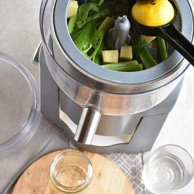 Celery Ginger and Lemon Juice recipe - step 1