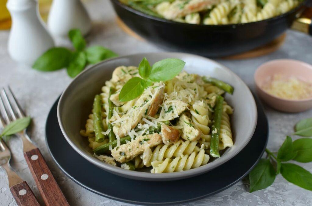 How to serve Creamy Chicken & Green Bean Pesto Pasta