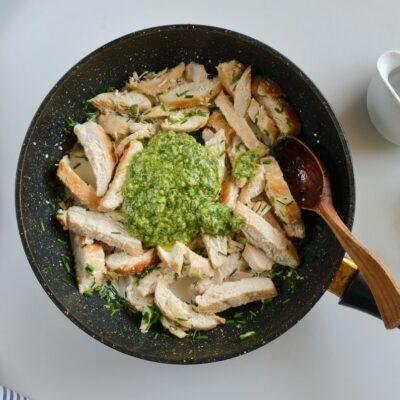 Creamy Chicken & Green Bean Pesto Pasta recipe - step 6