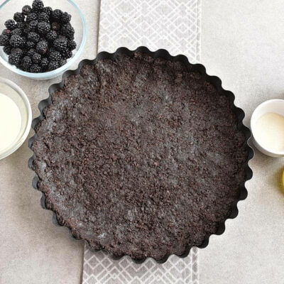 Easy No Bake Blackberry Tart recipe - step 1