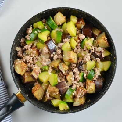 Eggplant and Chili Garlic Pork Stir-Fry recipe - step 5
