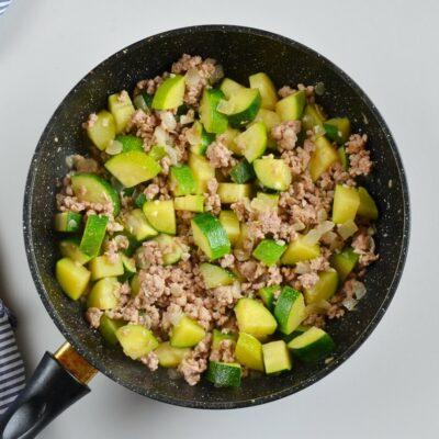 Eggplant and Chili Garlic Pork Stir-Fry recipe - step 4